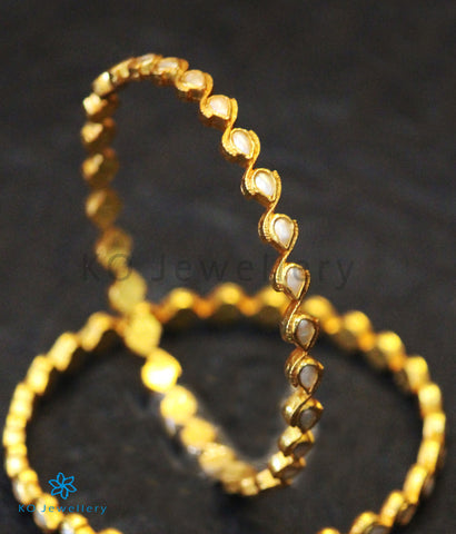The Piyali Silver Kempu Bangle (Pearl)