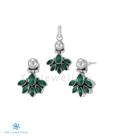 The Prerna Silver Gemstone Pendant Set(Green)