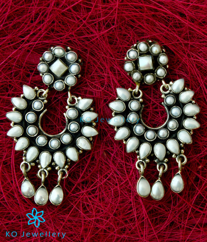 The Pranav Silver Gemstone Earrings(Pearl)