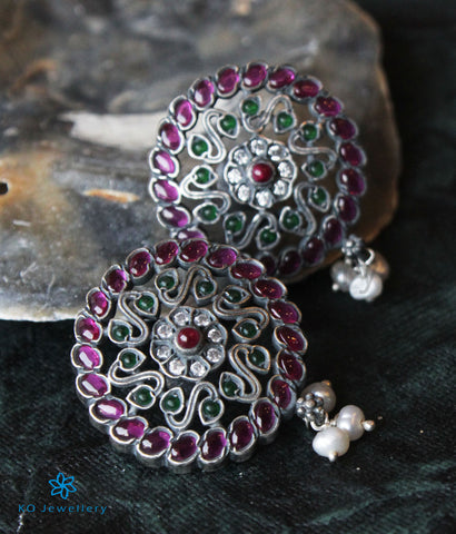 The Pavana Silver Earstuds (Red/Green;Oxidised)