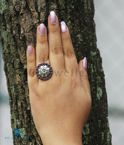 The Namita Silver Finger Ring (Oxidsed)
