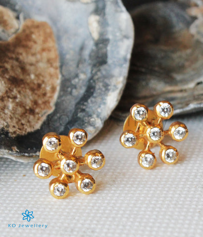 The Udaya Silver Kempu Ear-Studs (White)