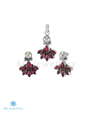 The Prerna Silver Gemstone Pendant Set(Red)