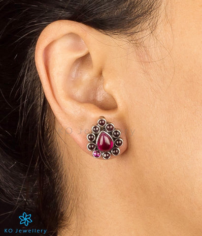Buy stylish earrings for office online