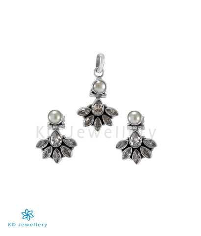 The Prerna Silver Gemstone Pendant Set(White)
