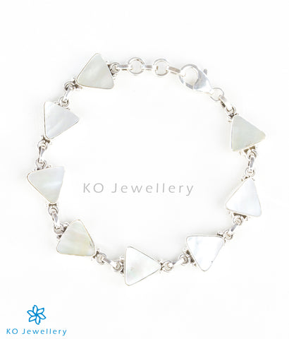Stunning mother of pearl charm bracelet
