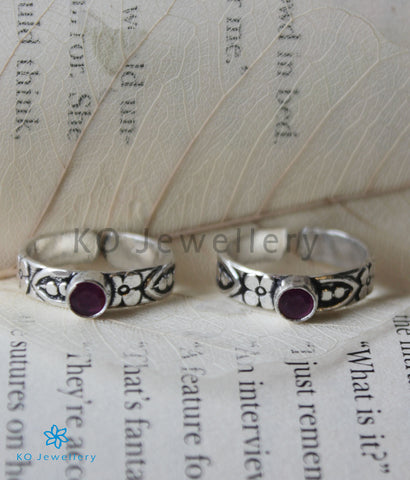 The Dyut Silver Toe-Rings