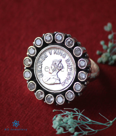 The Rupaka Silver Coin Finger Ring(White)