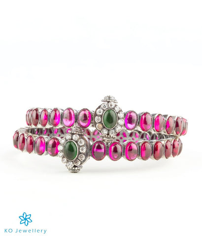 The Padmakshi Silver Kemp Bracelet(Oxidised/Red/Green/Size 2.4)