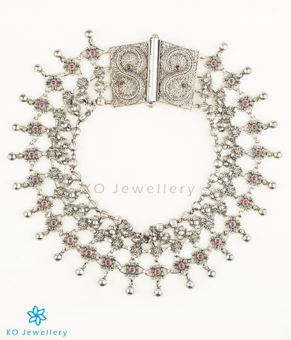 Gorgeous silver anklets designs for bride at Rs 25,500
