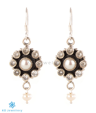 The Pujita Silver Gemstone Earrings (White/Pearl)