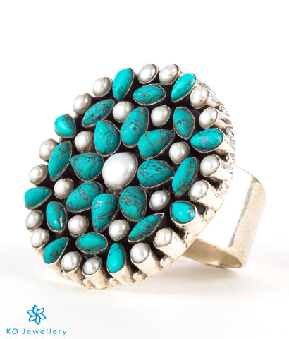 The Prisha Silver Gemstone Cocktail Finger-ring(Pearl/Turquoise)