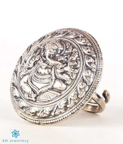 The Devavat Silver Finger Ring (Oxidised)