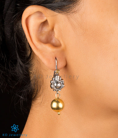 The Alampata Silver Earrings