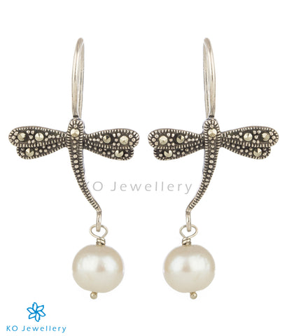 The Dragonfly Mercasite Silver Earrings (Pearl)