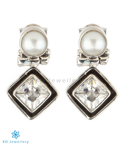 The Charit Silver Gemstone Earrings(White)