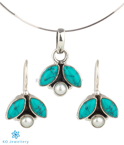 The Shyna Silver Gemstone Pendant Set(Turquoise)