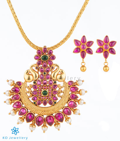 Gold plated Hamsaka pendant with earrings