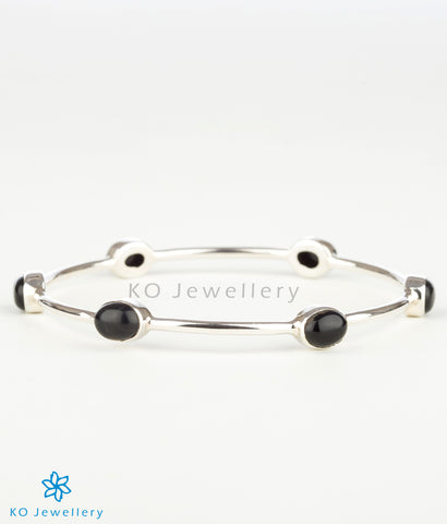 The Advaya Silver Bangle(Black)