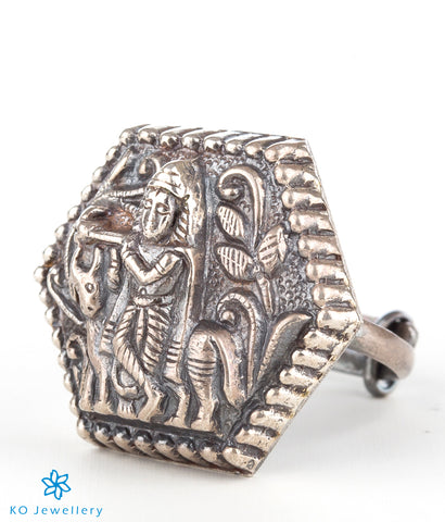 The Saket Silver Finger Ring (Oxidised)