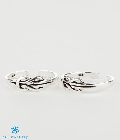 The Knot Silver Toe-Rings