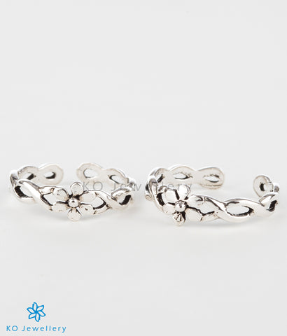 The Parijata Silver Toe-Rings