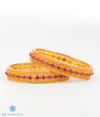 The Damya Silver Kempu Bangle