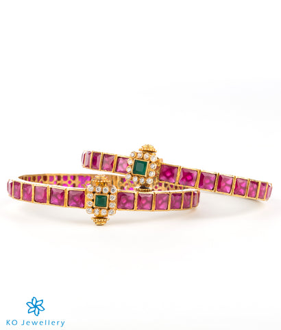 The Sampada Silver Kemp Bracelet(Red)