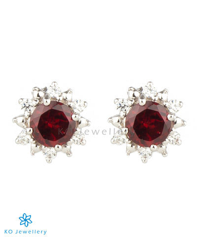 The Daisy Silver Ear-studs (Garnet)