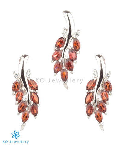 The Grazia Silver Pendant Set (Garnet/Red)