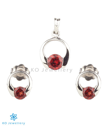 The Eve Silver Pendant Set (Garnet/Red)