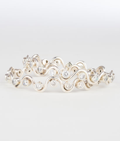 The Rasophala Silver Bangle (White)