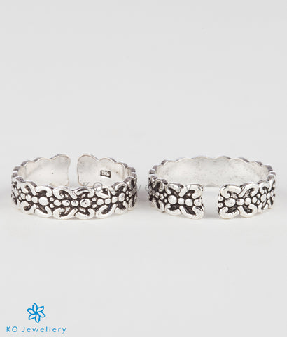 The Abha Silver Toe-Rings