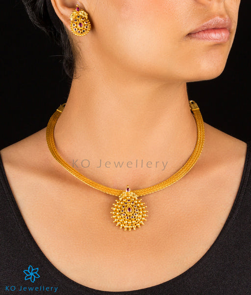 Traditional gold plated choker with guarantee