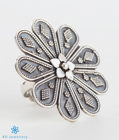 The Abha Silver Finger Ring