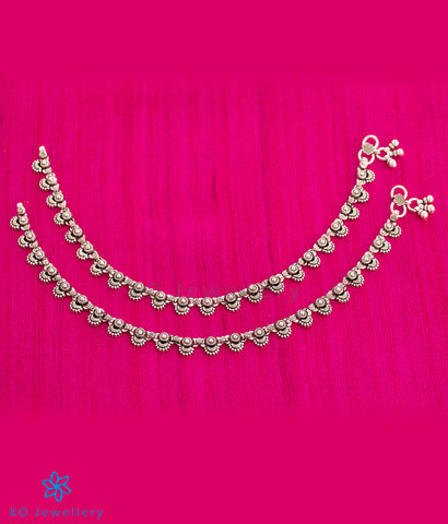 The Arini Silver Anklets