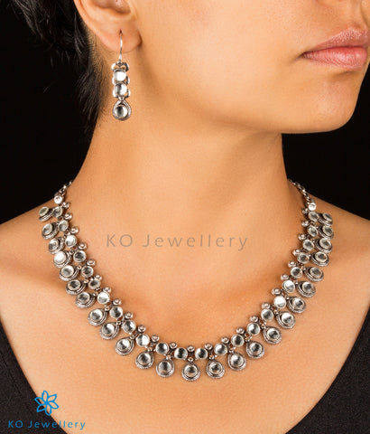 The Nysa Silver Kundan Necklace