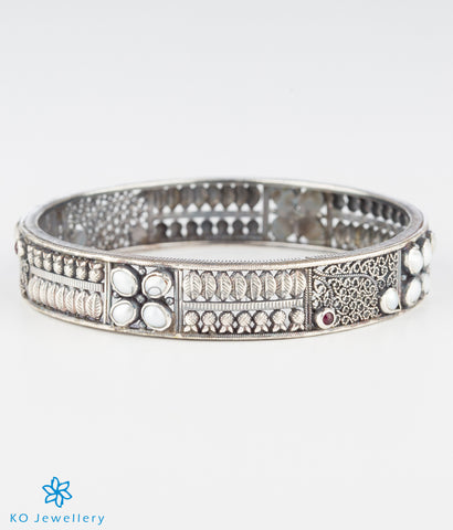 The Maya Silver Bangle (Pearl/Oxidised)