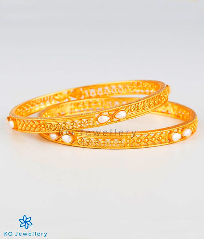 The Ramyati Silver Pearl Bangle