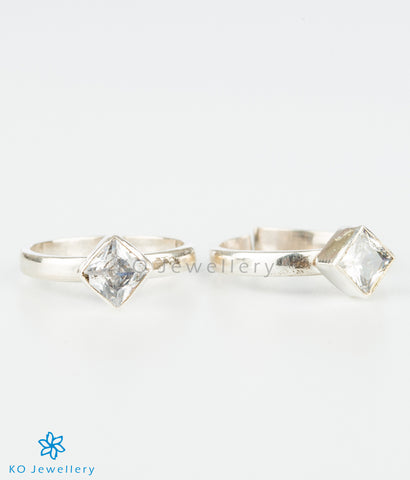 The Pratik Silver Toe-Rings (White)