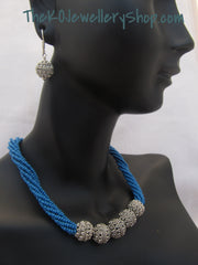 The Vinila Necklace Set
