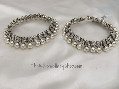 Buy online hand crafted silver anklets for women