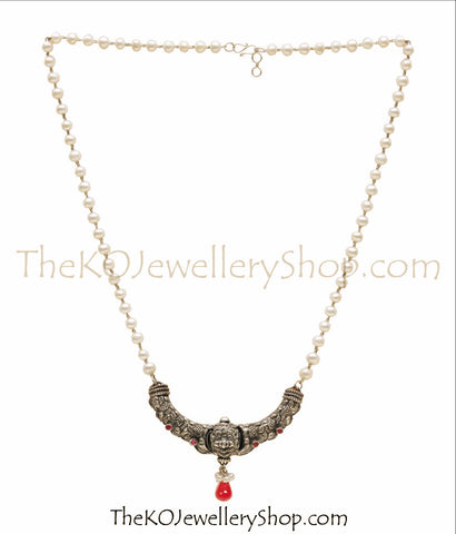 The Kanthirava Silver Pearl Necklace (Oxidised)