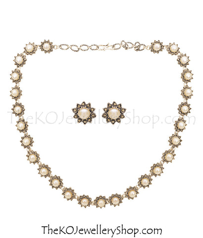 Shop online for women's silver necklace jewellery