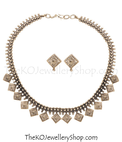 The Grha Silver Necklace Set