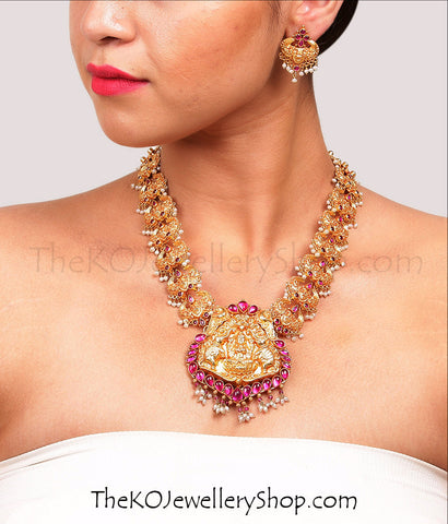 Handmade temple jewellery designs for brides