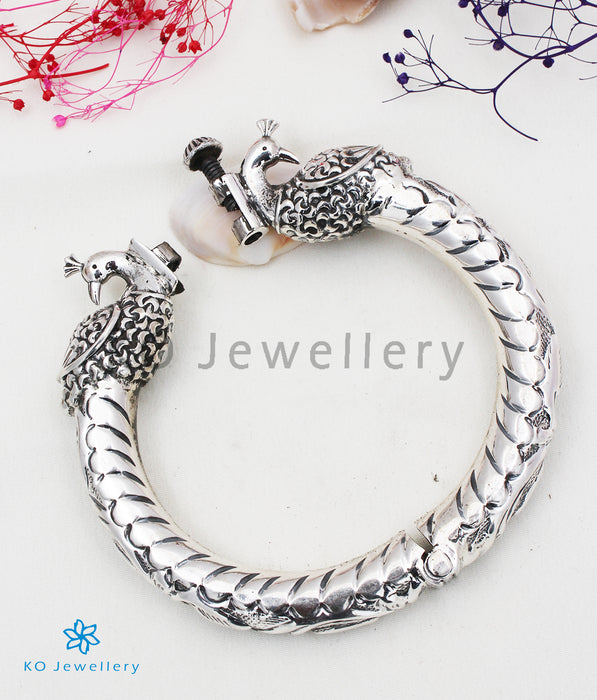 The Barha Silver Engraved Peacock Bracelet (Oxidised/Size 2.4)