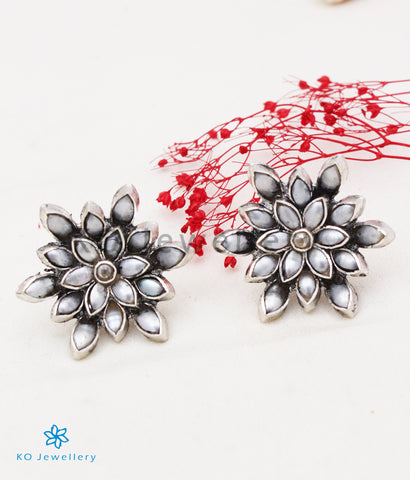 The Padma Silver Lotus Ear-studs (Pearl/Oxidised)