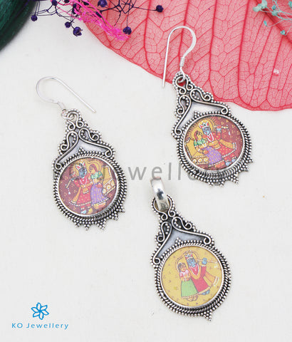 The Silver Handpainted Seshadhara Pendant/Earrings