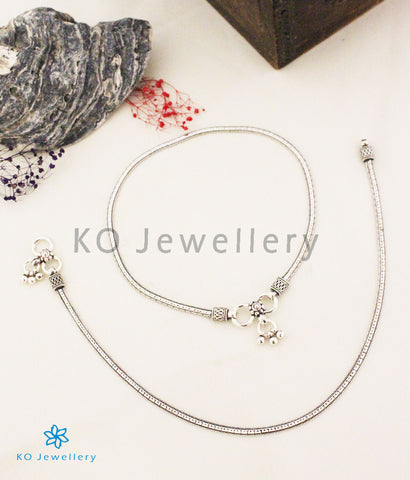 The Diya Silver Anklets